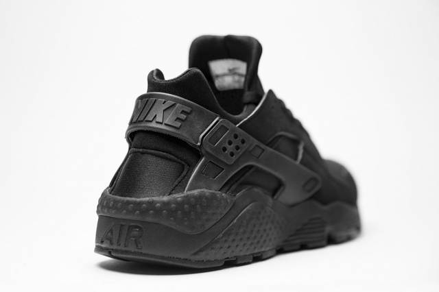 85eb11d76a53a Nike Air Huarache Triple Black Womens extreme-hosting.co.uk