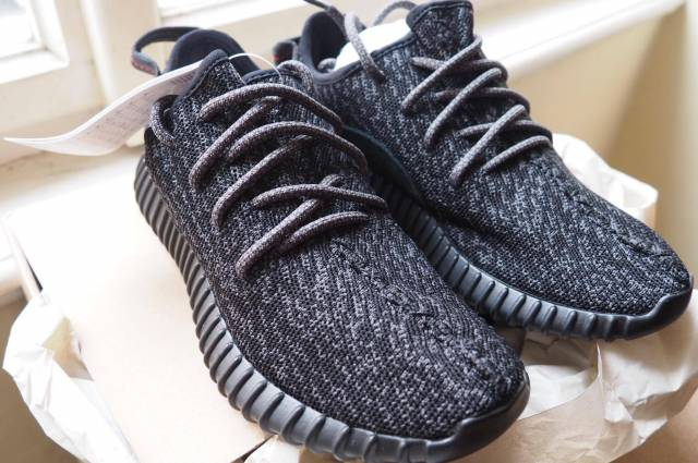 68a91e3b76a19 Yeezy Boost 350 shoes Men s US Size 5 (Women s 6.5)