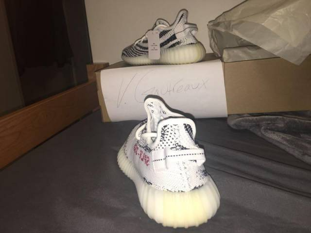 Yeezy Boost 350 v2 Zebra White with Pull tab Review