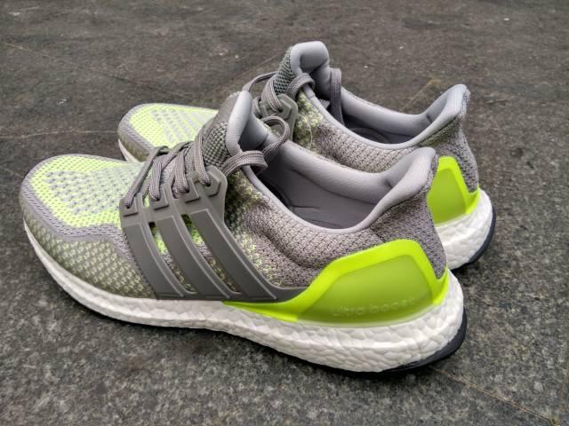 d11cbe3d4a651 Adidas Ultra Boost Glow In the Dark Size 9
