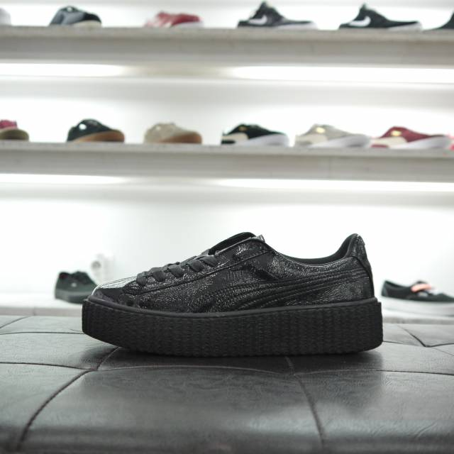 the best attitude 8fc15 8c797 Puma Fenty Creeper Wrinkled Patent Black (100% Genuine Ds)