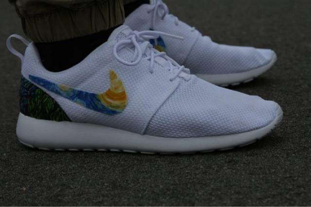 59fe13368ea9 Nike Roshe One Triple White Custom Starry Night