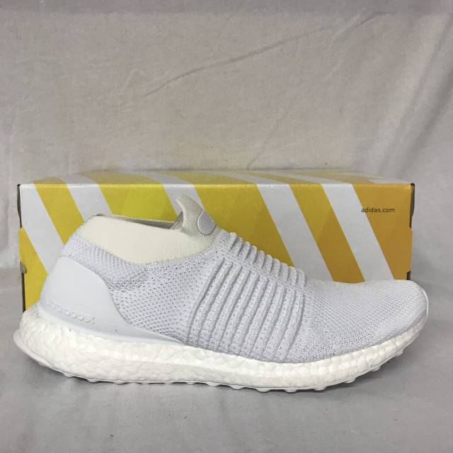 $200 Adidas ultra boost laceless wh.
