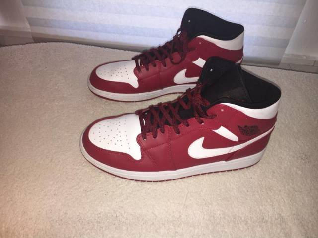 finest selection 39402 ab1b4 Air Jordan 1 Mid Gym Red White