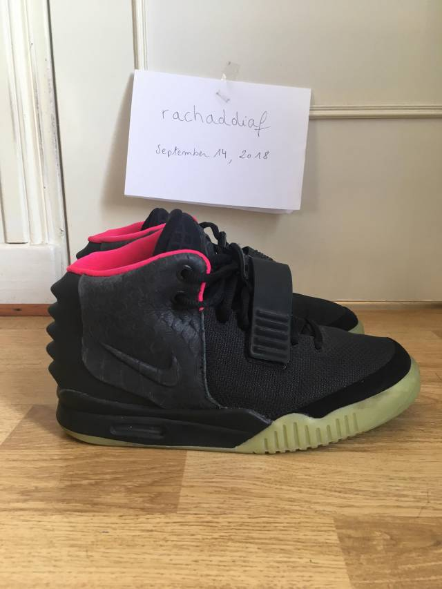 more photos 0c5e3 eea8f Nike Air Yeezy 2 black solar red