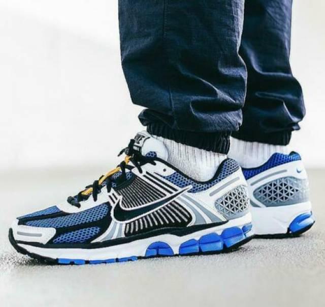 Nike Zoom Vomero 5 SE SP Blue Size 8 9