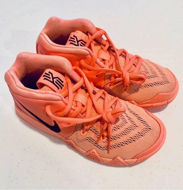 buy online 3601e 88dbb Nike Kyrie 4 Gs Atomic Pink