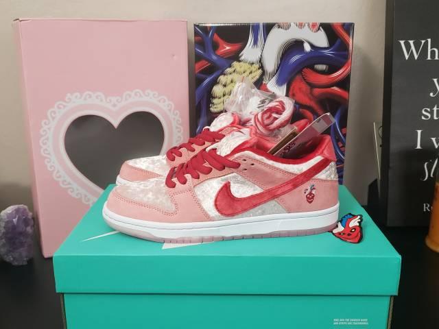 Strangelove X Nike Sb Dunk Low Valentine's Day