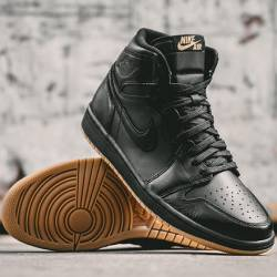 Air jordan i black gum 1 retro...