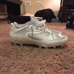 Under armour nitro cleats size...