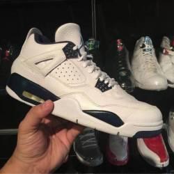 Jordan 4 columbia size 10.5 pr...