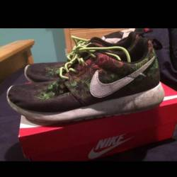 Nike roshe run size 6