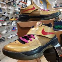 Nike zoom kd 4 gold medal size...