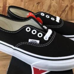 Vans kids authentic black sz 1...