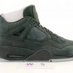 Air jordan 4 retro kaws sz 10....