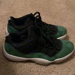 Air jordan 11 low - green snak...